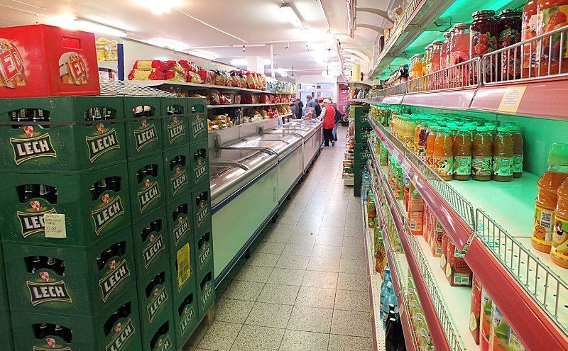 Nudeln, Tiefkühlware, Säfte, antialkoholische Getränke, Süßigkeiten, Pralinen