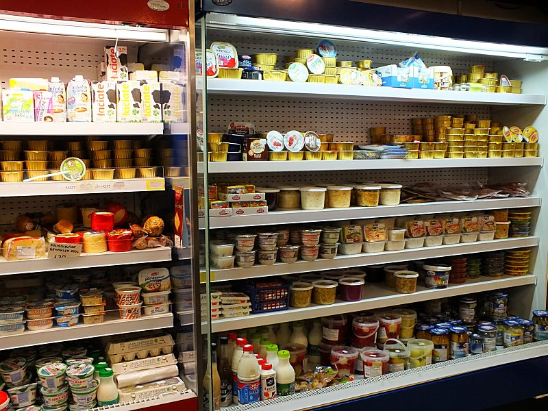 Pasteten, Fischkonserven, Milchprodukte